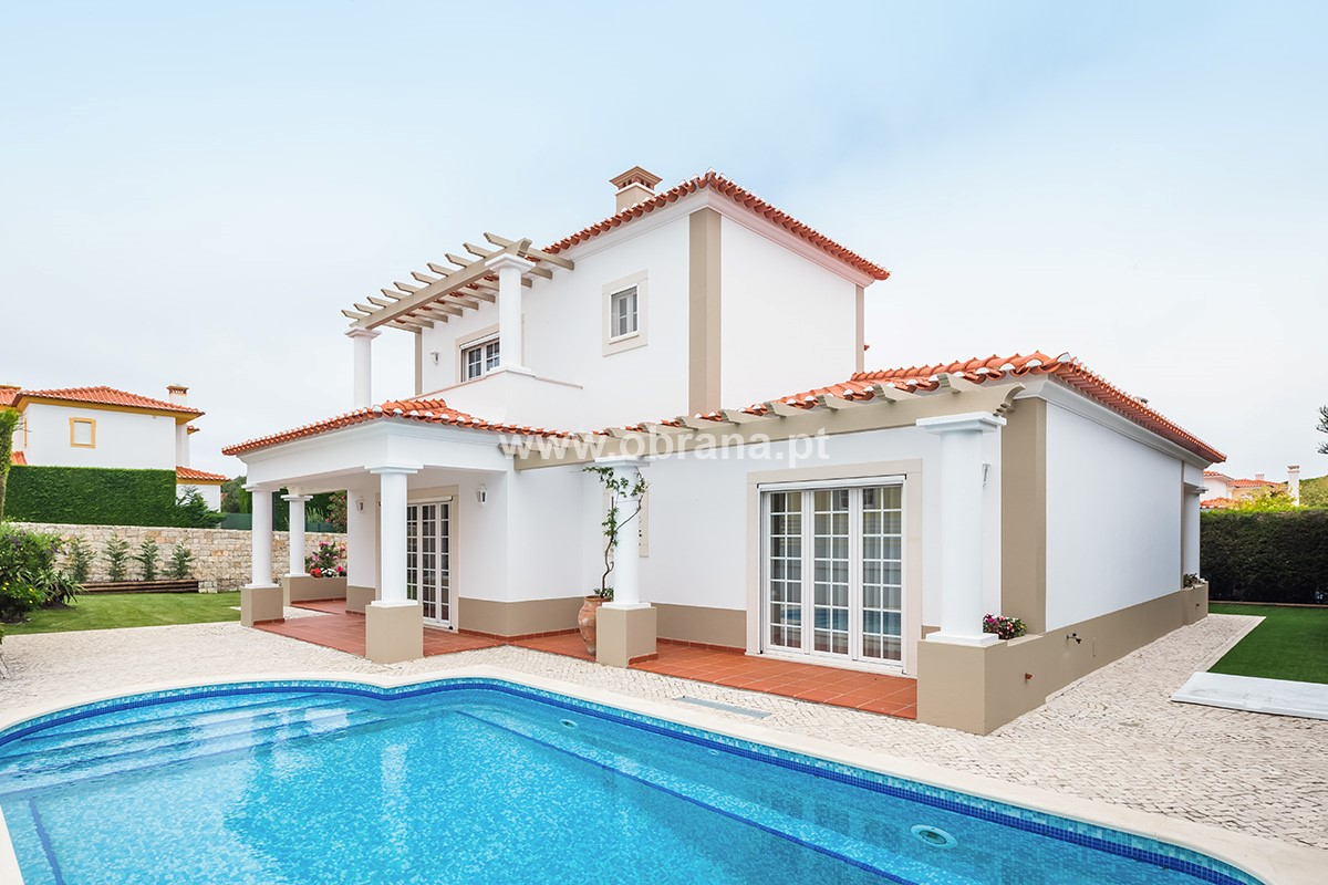 STUNNING NEW PRAIA DEL REY HOLIDAY VILLA RENTAL |  PRIVATE POOL | FREE WIFI | SLEEPS 6