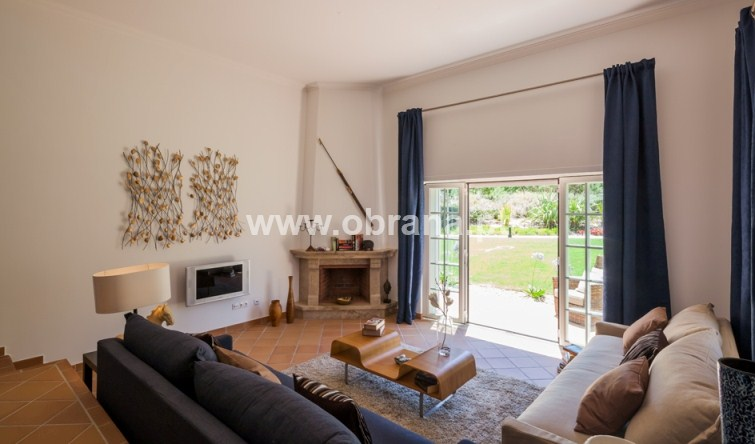 PRAIA DEL REY HOLIDAY HOME | 3 BEDROOMS, SLEEPS 6 | POOL | WALK TO BEACH, CLUBHOUSE, DRIVING RANGE