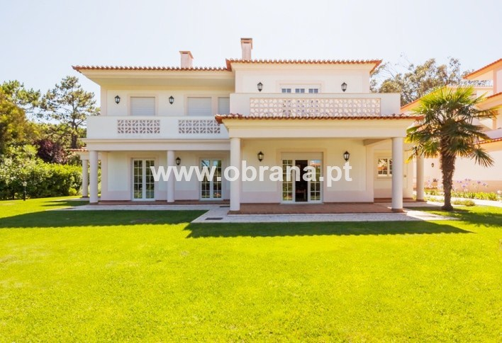 PRAIA DEL REY HOLIDAY APARTMENT | 3 BEDROOMS, SLEEPS 6 | POOL|WIFI | CHILD FRIENDLY | LONG TERM RENTAL