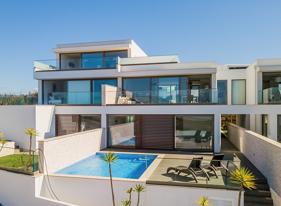 SPECTACULAR LUXURY VILLA WITH PRIVATE POOL | 3 BEDROOMS, SLEEPS 6 | AIR CONDITIONING | WIFI | BEACH | SURF