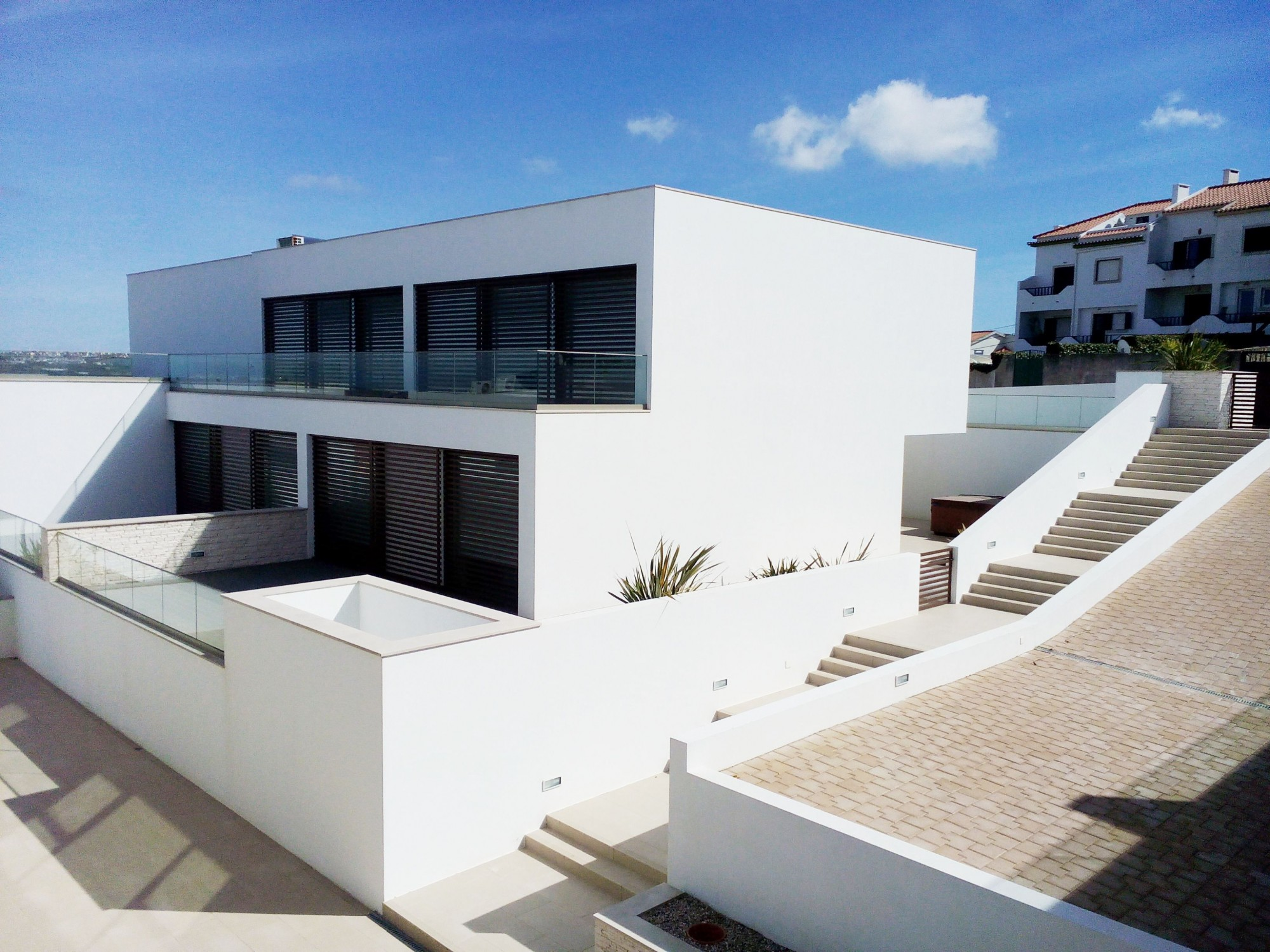 LOURINHA CONTEMPORARY HOLIDAY HOME TO RENT | SEA VIEW | WIFI | JACUZZI | AIR CONDITIONING