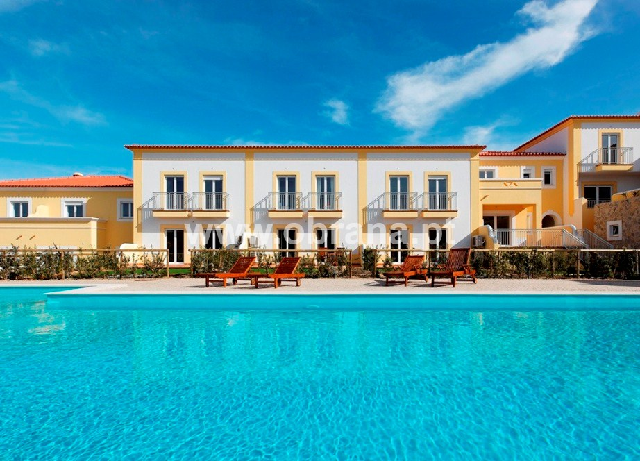 LOURINHA ADJACENT HOLIDAY VILLA I| HEATED POOL | WIFI |SLEEPS 6 | CHILD  FRIENDLY ...