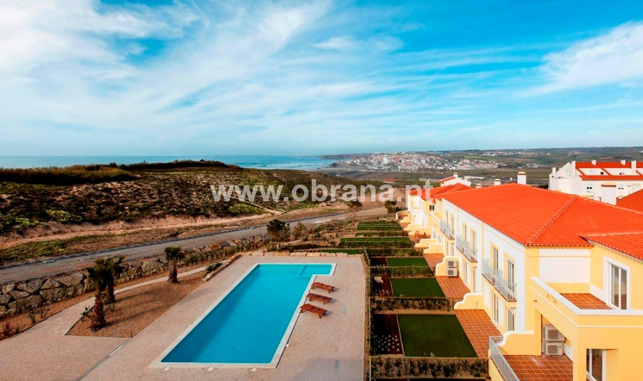 PORTUGAL HOLIDAY RENTAL - VILLA F| HEATED POOL | WIFI | 6 PERSONS | WALK TO BEACH | GROUPS