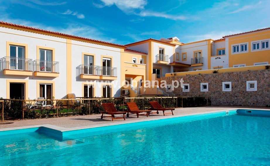 PORTUGAL HOLIDAY RENTAL - VILLA F| SHARED POOL | WIFI | 6 PERSONS | WALK TO BEACH | GROUPS