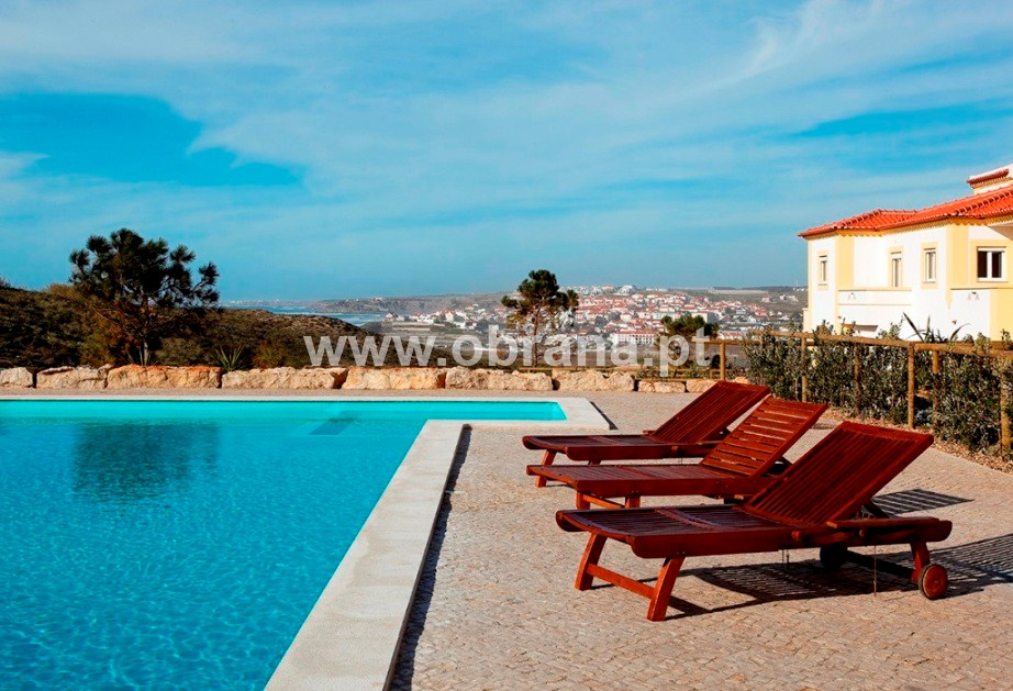 LOURINHA FAMILY HOLIDAY HOME G| HEATED POOL | WIFI | 3 BEDROOMS, SLEEPS 6 | SURF | LARGE GROUPS