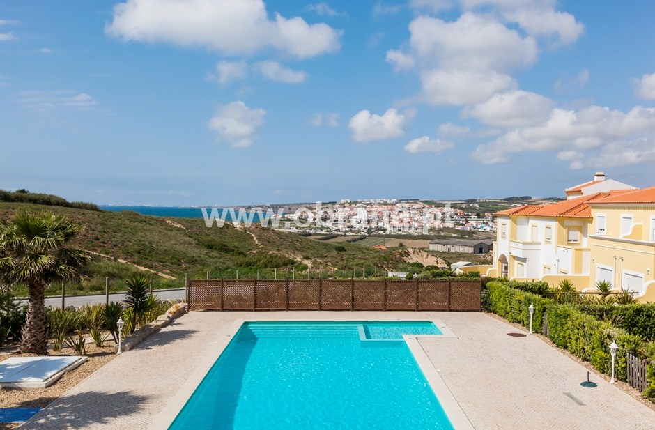 LOURINHA HOLIDAY VILLA A| HEATED POOL | WIFI | 3 BEDROOMS, ...