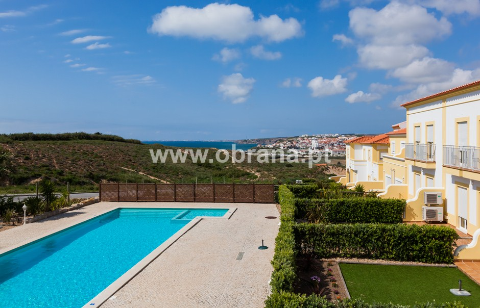 LOURINHA HOLIDAY HOME RENTAL D| HEATED POOL | WIFI |SLEEPS 7 |  BEACH | GROUPS | RESTRICTED MOBILITY