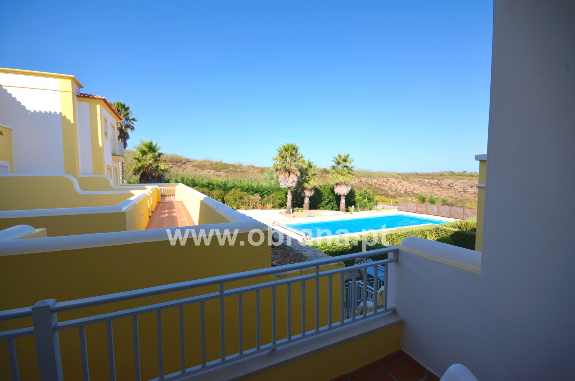 PORTUGAL HOLIDAY RENTAL - VILLA F | SHARED POOL | WIFI | 6 PERSONS | WALK TO BEACH | GROUPS