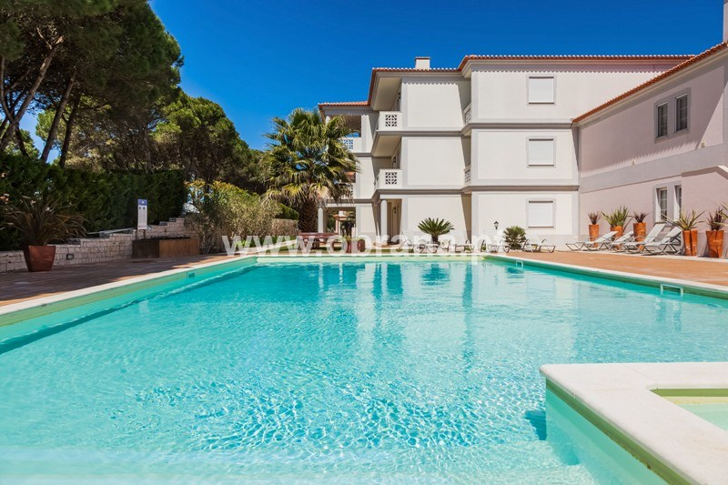 PRAIA DEL REY HOLIDAY APARTMENT | 3 BEDROOMS, SLEEPS 6 | POOL|WIFI | CHILD FRIENDLY