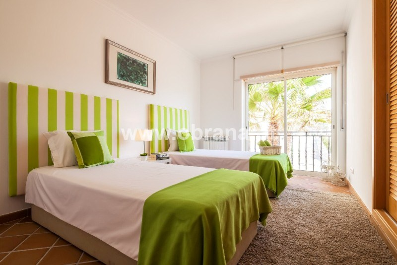 PORTUGAL OCEAN VIEW HOLIDAY APARTMENT |  SLEEPS 6 | POOL| WIFI | LONG TERM RENTAL |