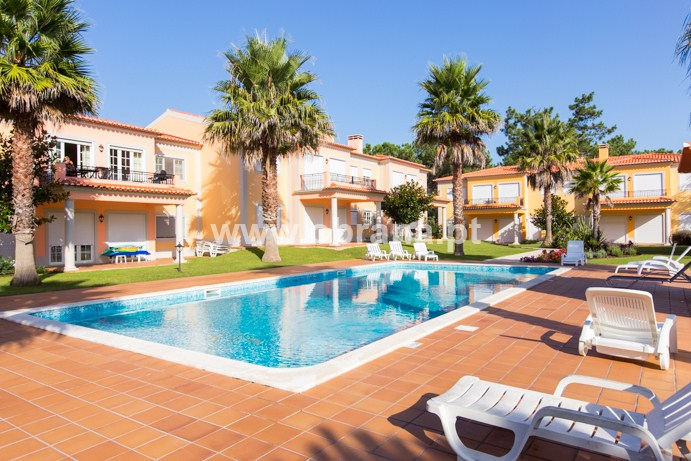 PRAIA DEL REY DOM SEBASTIAO APARTMENT 18 | GOLF VIEW | WIFI | POOL | QUIET AREA OF RESORT |